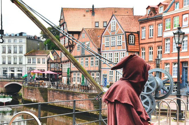Altes Land in Germany - Stade's costumed city walks