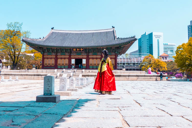 How to Get Your Cheap Hanbok Rental in Seoul // Sponsored