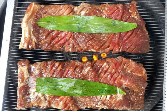Non spicy Korean food: grilled beef